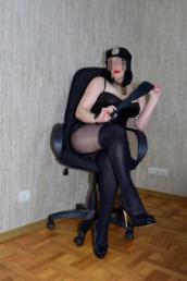 Девушка Виктория Развратная и строгая Леди сделает из тебя свою игрушку! Или же превратит тебя в своего песика ! А может переодеть тебя в шлюшку?!))) Одену на тебя чул...